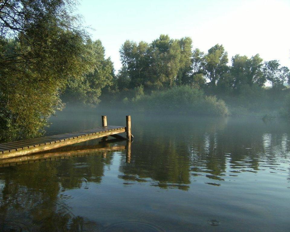 Can Bo de Pau Lake