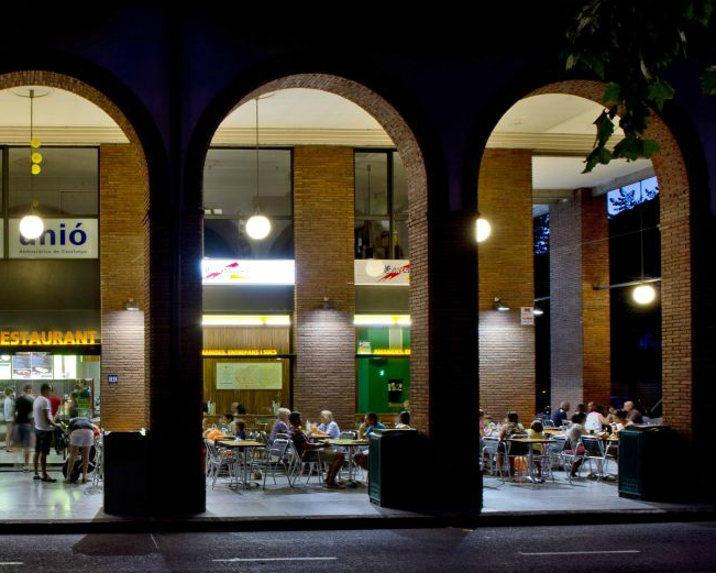 B-CREK Sandwichs, Salades et Jus Terrasse
