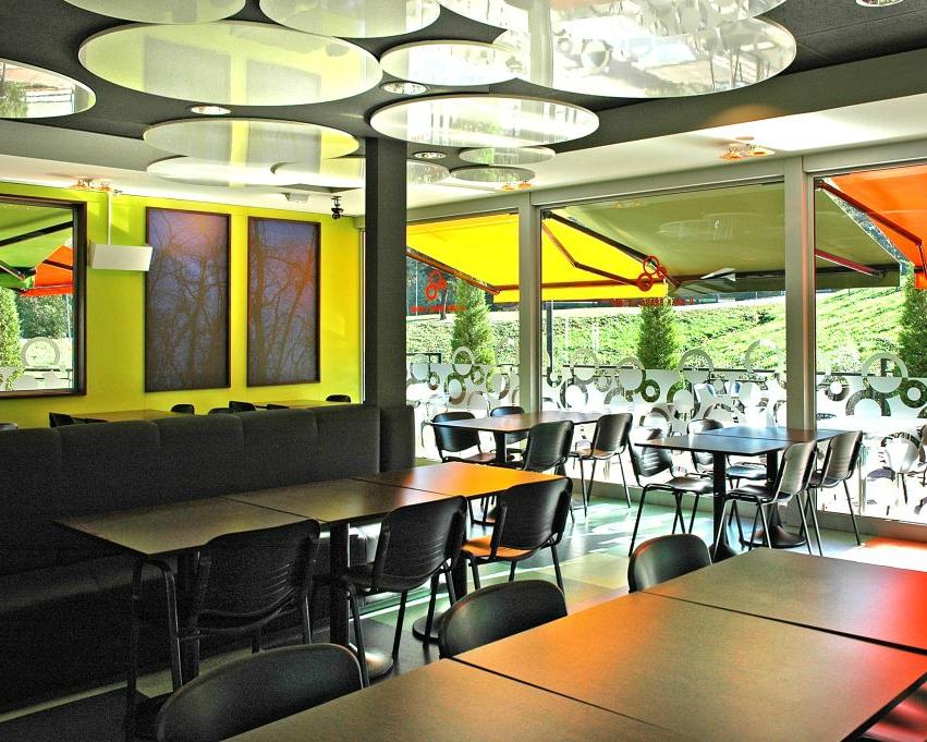B-CREK Restaurant Intérieur