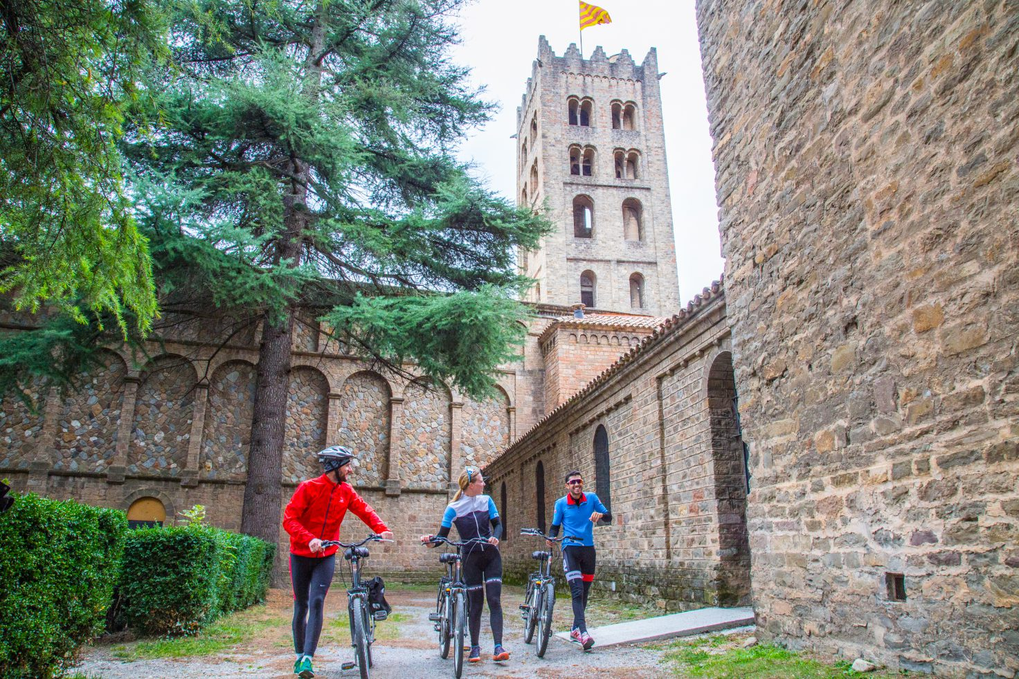 Cyclists on the monastery of Ripoll
