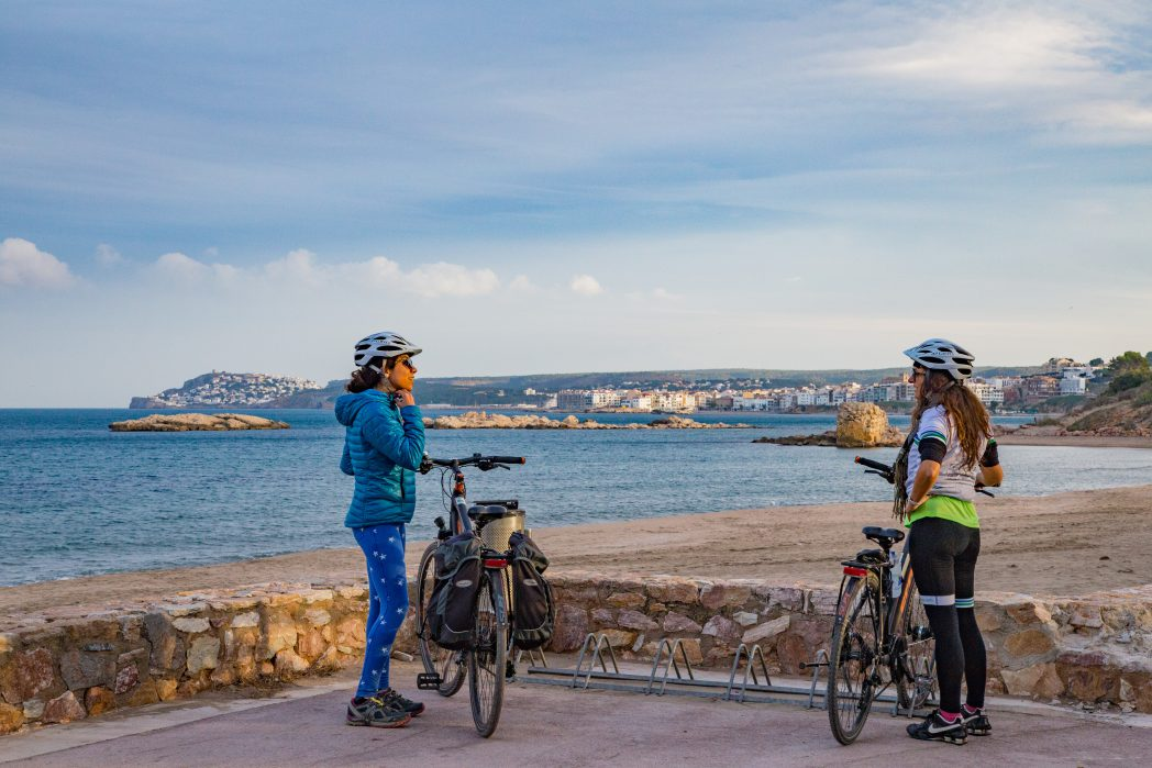 Ciclistas en Ampúries, Alt Empordà