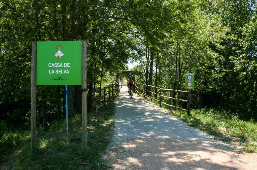 Ciclistes al pont de Cassà de la Selva, Ruta del Carrilet II