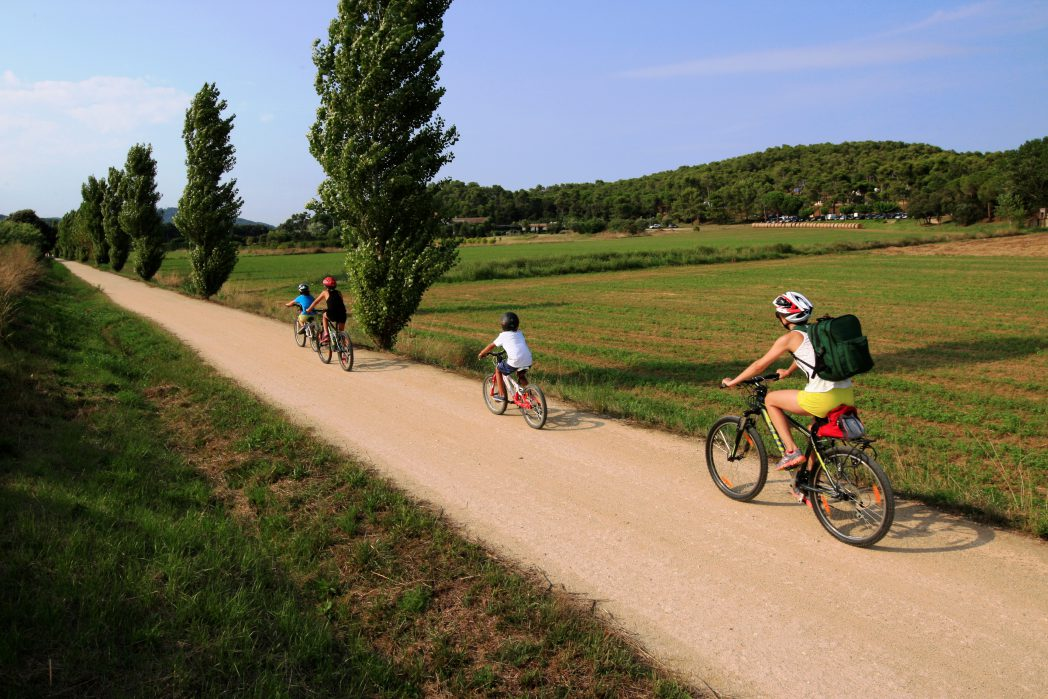 Cyclists in the Little Train Route
