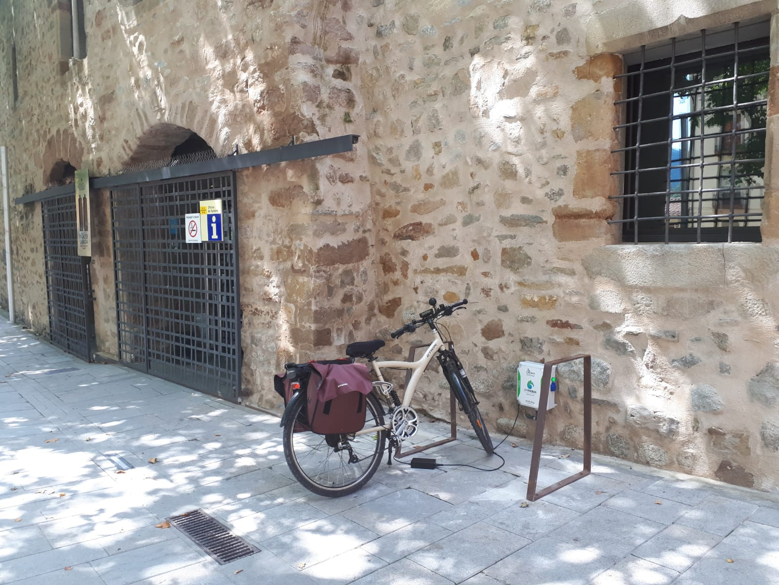 Electric bike charger in Sant Joan Abadesses