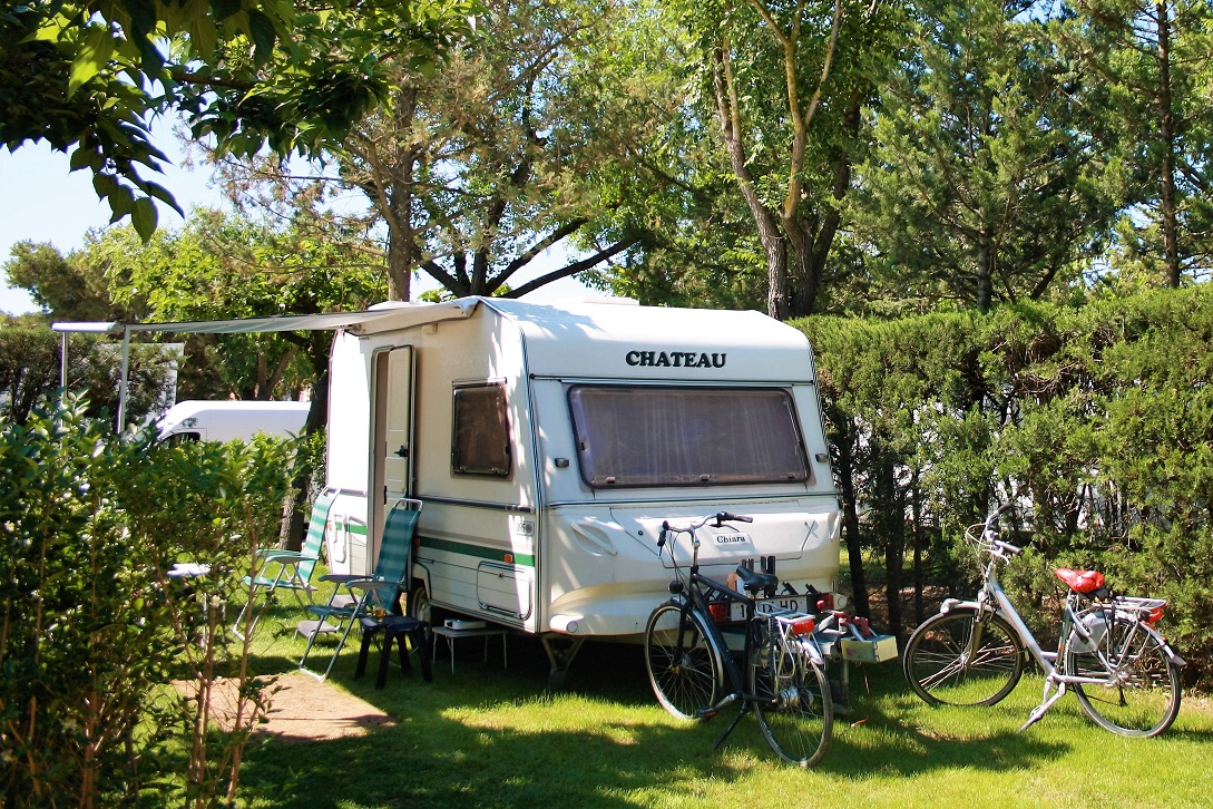 Caravanning and bikes in Camping Rodas