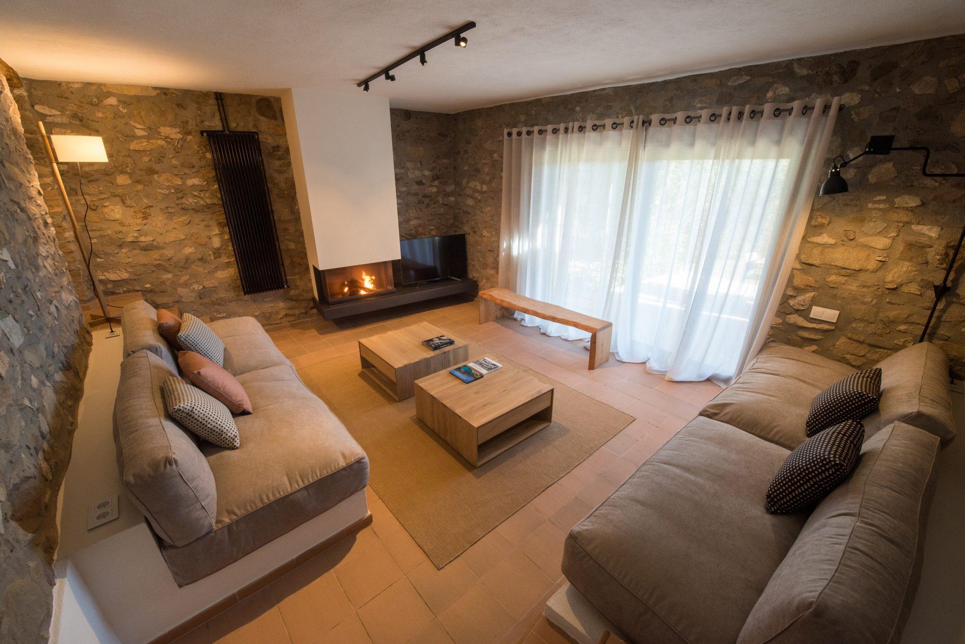 Vista de l'interior de l'establiment La Piconera, el saló