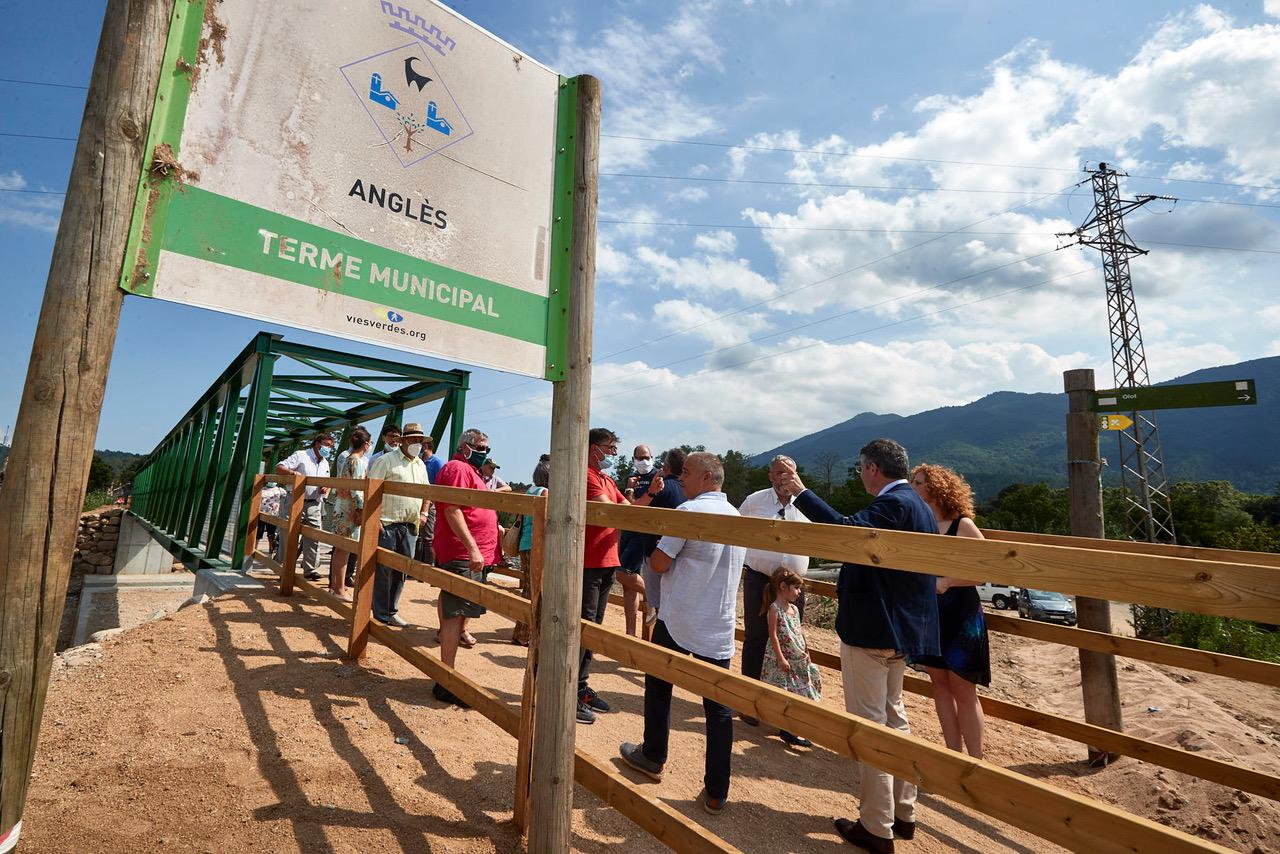 Finalitzen les obres al nou pont de la riera d'Osor, plataforma de la via verda