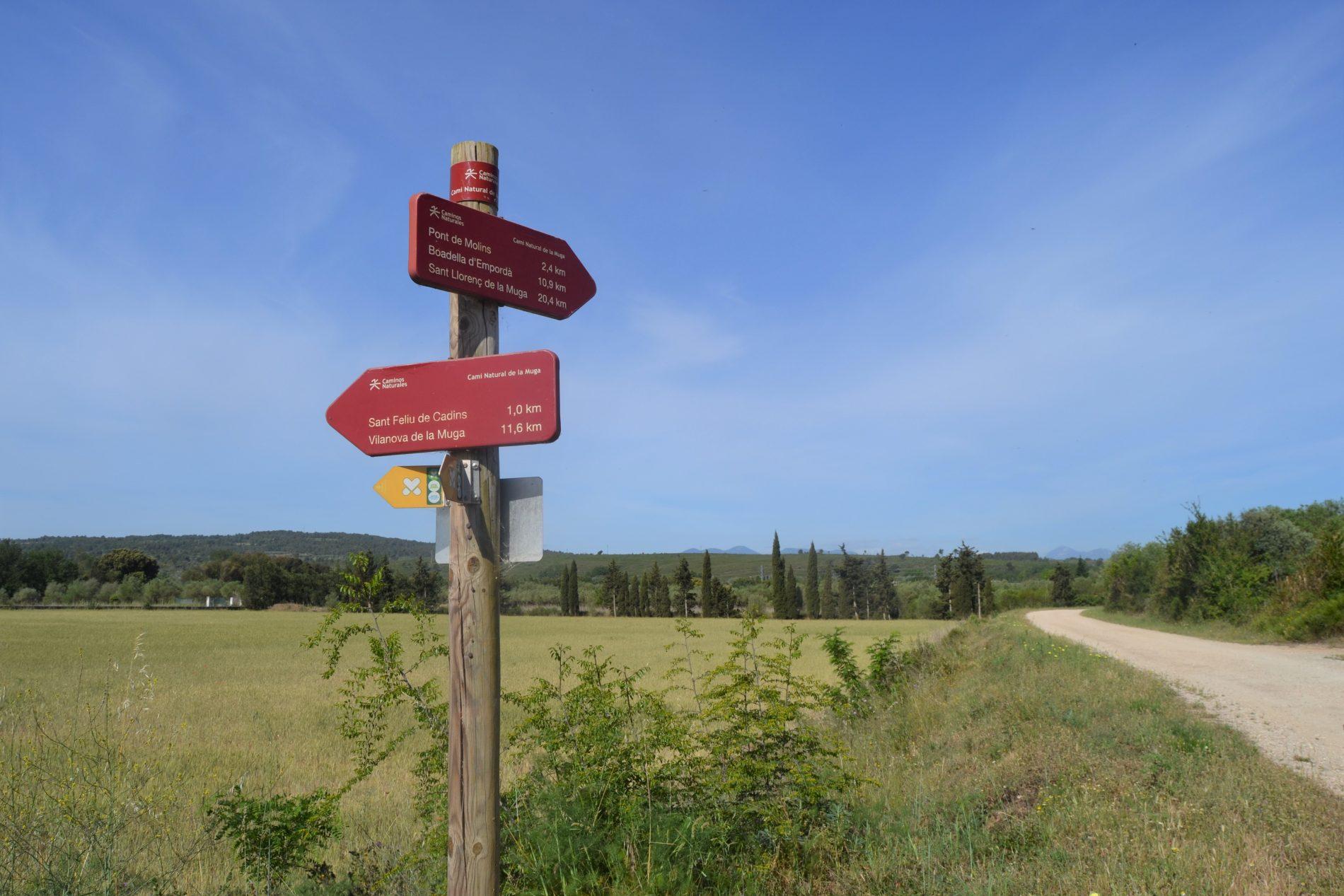 cartells vermells ruta la Muga